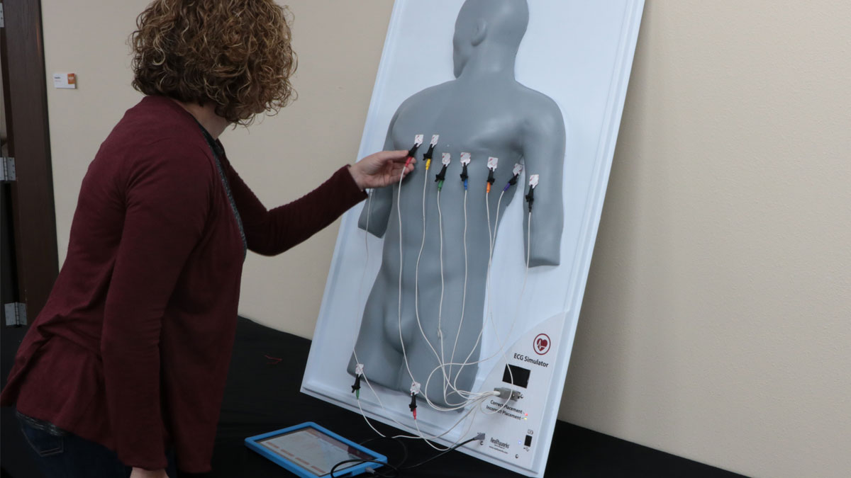 5 Ways Our ECG Simulator Can Help Your Students Develop Targeted Healthcare Skills