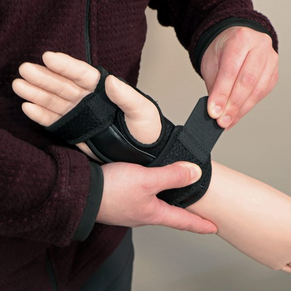 Splints and Braces Supply Kit application process